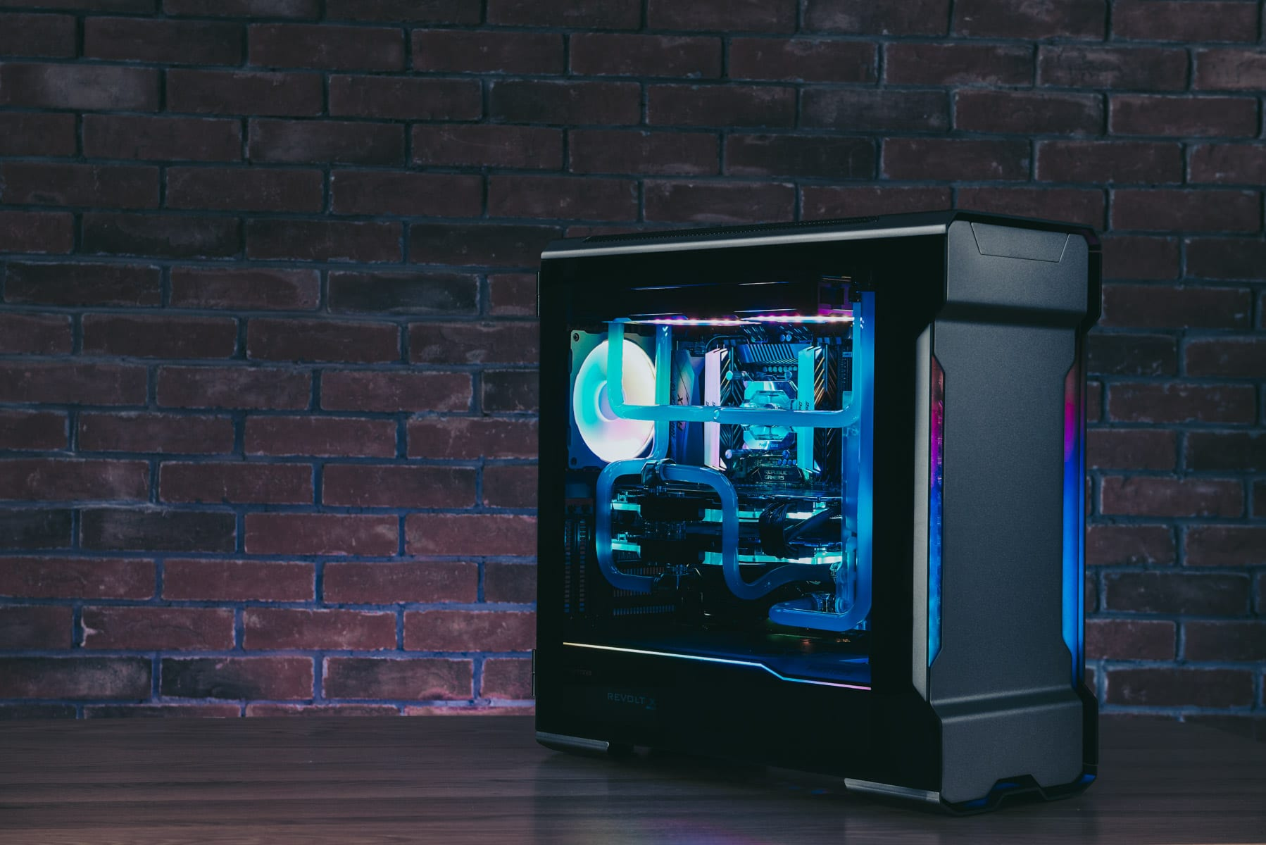 Phanteks_EvolvX15333